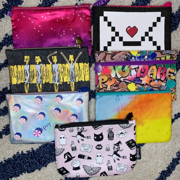 CUTE IPSY TRAVEL BAGS